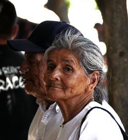 Entre el 4% y el 6% de las personas mayores de todo el mundo han sufrido alguna forma de abuso y maltrato, ya sea físico, financiero o emocional.
