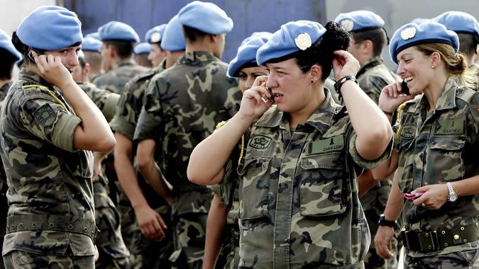 Mujeres cascos azules