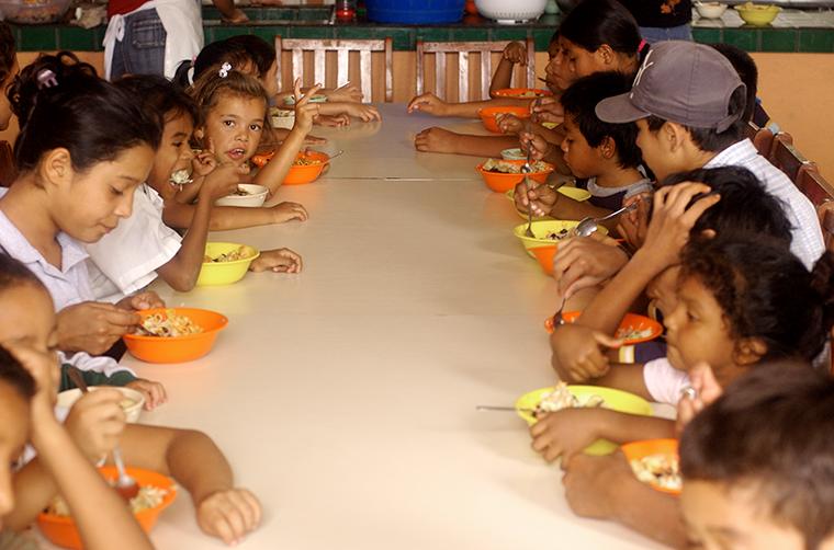 Malnutrición en niños y niñas en América Latina y el Caribe