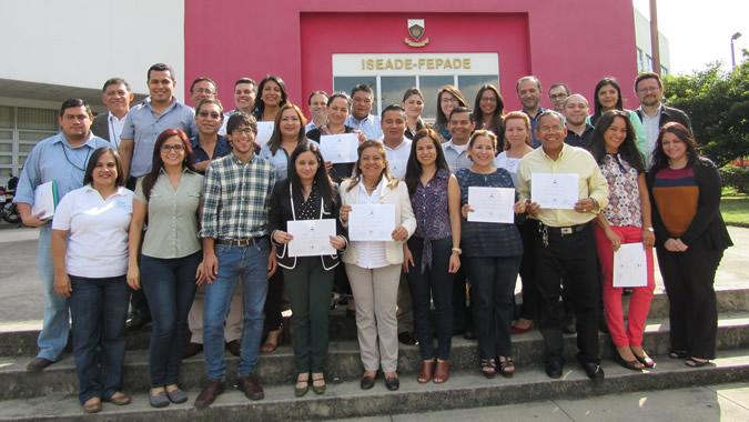 Imagen de funcionarios públicos de El Salvador.