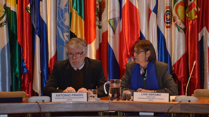 El Secretario Ejecutivo Adjunto de la CEPAL, Antonio Prado, y la Directora de la División de Desarrollo Social de la CEPAL, Laís Abramo.