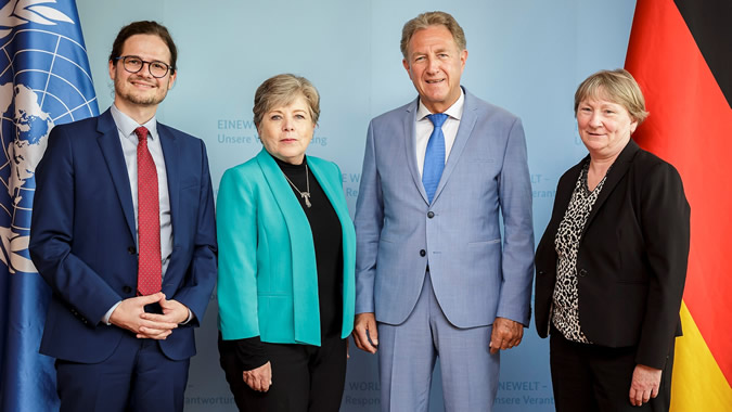 From right to left, Christiane Bögemann-Hagedorn, BMZ's Deputy Director General for Latin America; Norbert Barthle, Parliamentary State Secretary, BMZ; Alicia Bárcena, ECLAC's Executive Secretary, and Sören Müller, Senior Policy Officer, BMZ.
