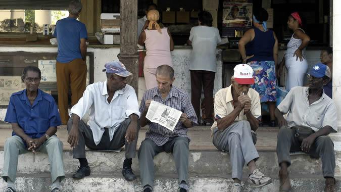 Imagen de un grupo de ancianos en La Habana.