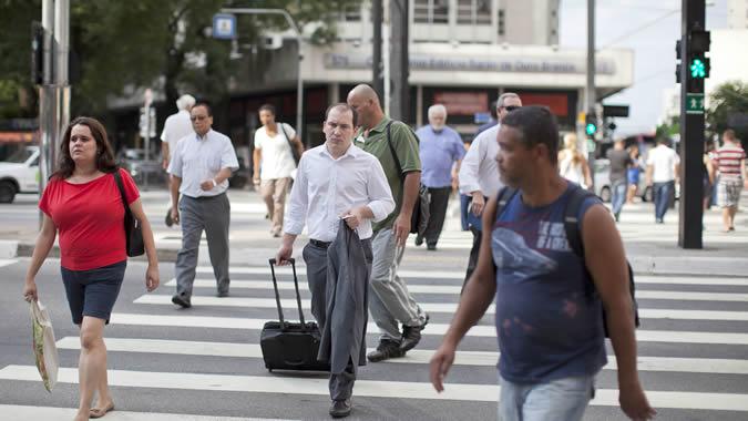 Personas caminando