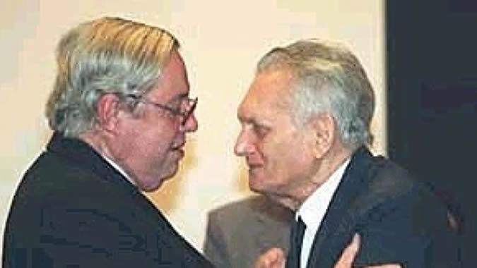Carlos Lessa (a la izquierda) junto al también economista brasileño Celso Furtado.