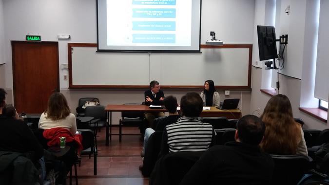 Foto de curso sobre erogaciones sociales realizado en Uruguay