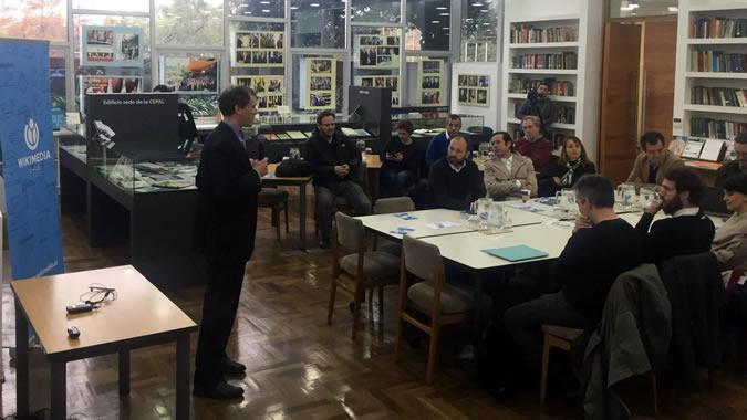 La actividad tuvo lugar en la Biblioteca Hernán Santa Cruz ubicada en el edificio de la CEPAL en Santiago, Chile.