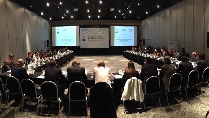 Foto del VIII Diálogo Político Regional en Eficiencia Energética, realizado el 5 de diciembre de 2017 en Buenos Aires.