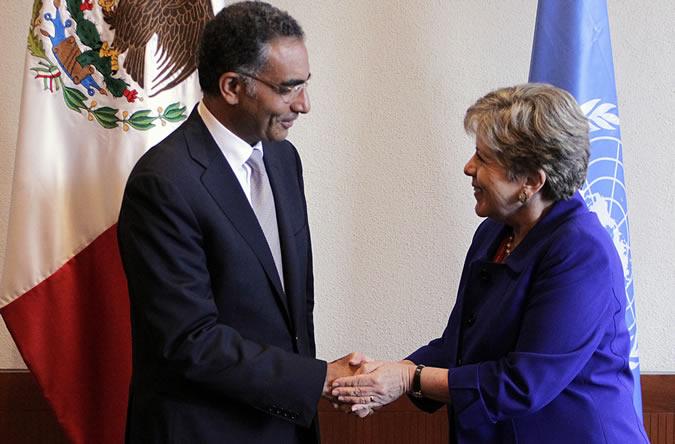 Fadi Chehadé, Presidente y Director Ejecutivo de ICANN, y Alicia Bárcena, Secretaria Ejecutiva de la CEPAL.