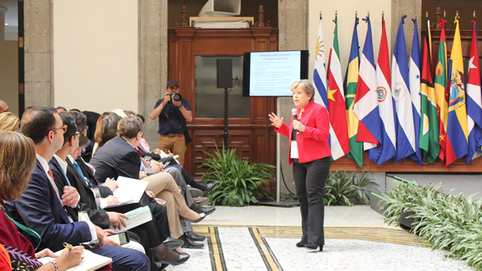 Alicia Bárcena, Secretaria Ejecutiva de la CEPAL, durante la presentación del Informe anual sobre el progreso y los desafíos regionales de la Agenda 2030 en la región.