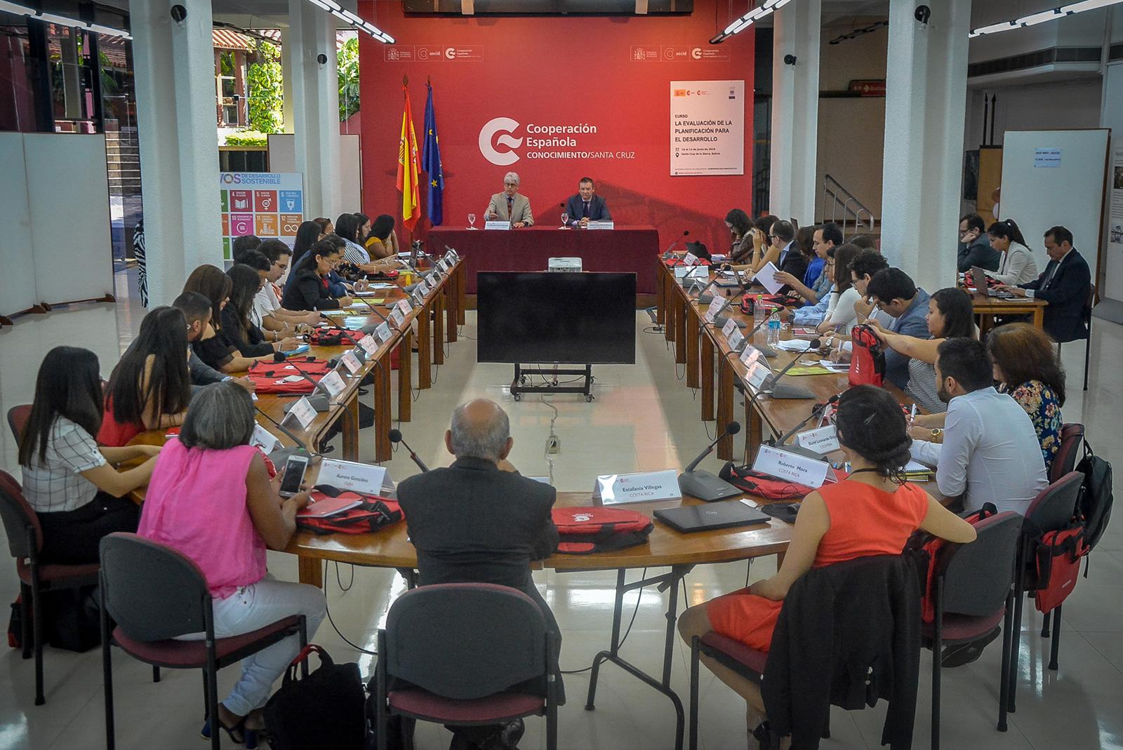 CEPAL inaugura en Bolivia curso internacional sobre evaluación de la planificación para el desarrollo