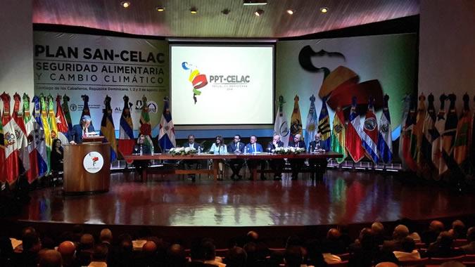 Antonio Prado, Secretario Ejecutivo Adjunto de la CEPAL, en la inauguración de la reunión de trabajo en Santiago de los Caballeros.
