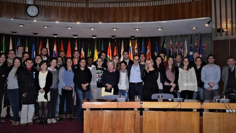 foto de exalumnos de la Escuela Latinoamericana de Estudios del Desarrollo de la CEPAL