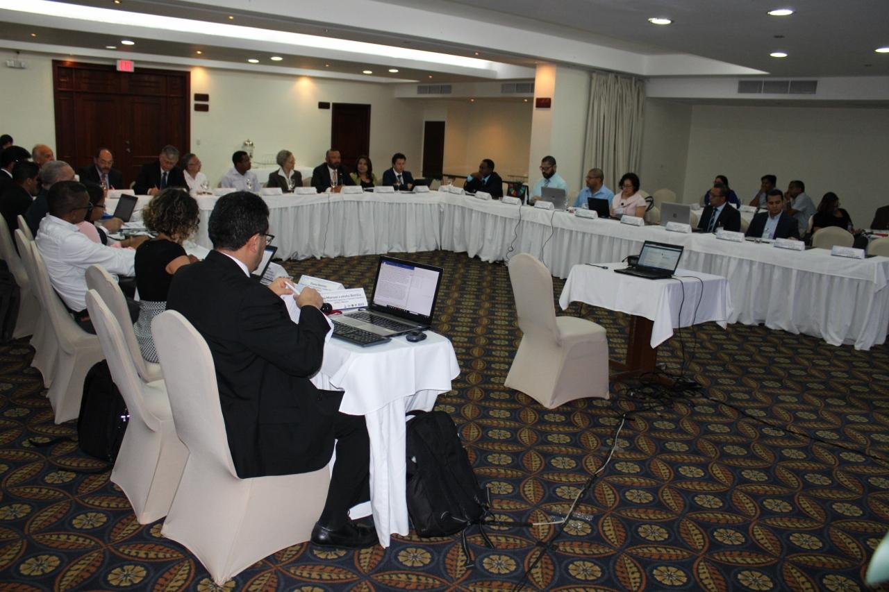 Foto de una reunión sobre la iniciativa ECC-CARD en la cual participó la CEPAL y socios nacionales y regionales.