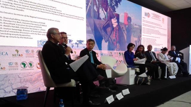 Joseluis Samaniego, Director de la División de Desarrollo Sostenible y Asentamientos Humanos de la CEPAL, durante el encuentro en la COP 22.