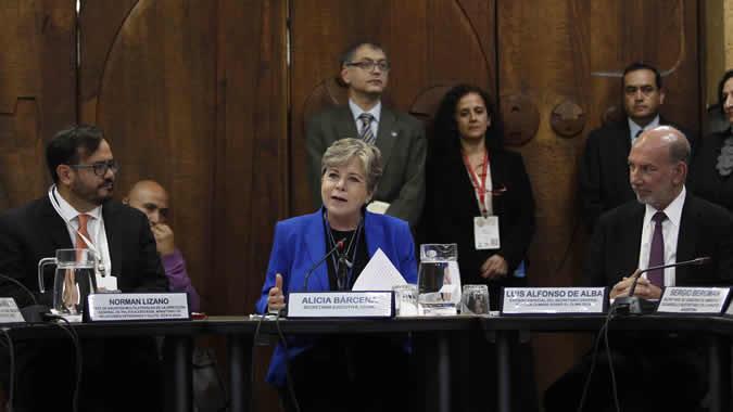 Alicia Bárcena, ECLAC Executive Secretary (center) during the side-event of the Escazú Agreement