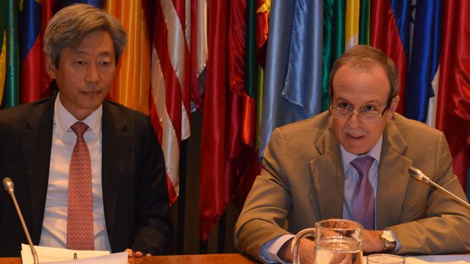 Embajador de Corea y Secretario Ejecutivo Adjunto para Análisis de Programas de la CEPAL