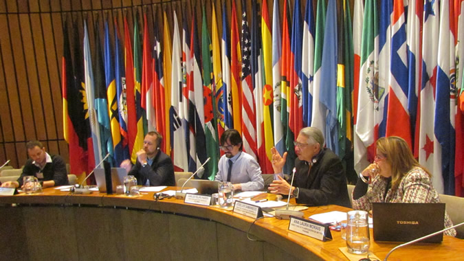 Experts at ECLAC during the session on urban mobility, held in the framework of the Cities Conference.
