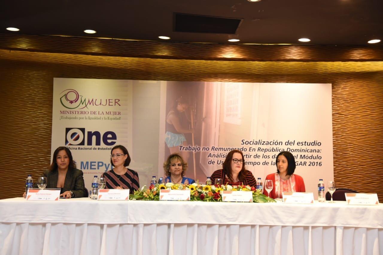 Participantes Seminario Trabajo no remunerado en República Dominicana