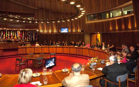 Vista general del salón Raúl Prebisch, en la sede de la CEPAL en Santiago, Chile, donde se realizó la presentación del libro.