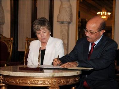 La Secretaria Ejecutiva de la CEPAL firmó el convenio de cooperación con el Ministro de Economía, Planificación y Desarrollo de República Dominicana, Temístocles Montás.
