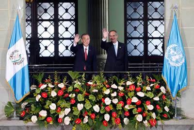 Ban Ki-moon, Secretario General de las Naciones Unidas, y Álvaro Colom, Presidente de Guatemala.