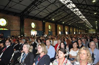 Público asistente a la inauguración de la tercera Conferencia regional intergubernamental sobre envejecimiento en América Latina y el Caribe, que se realiza del 8 al 11 de mayo en San José, Costa Rica.
