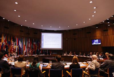 La reunión sobre la aplicación del principio 10 de la Declaración de Río sobre el Medio Ambiente y el Desarrollo se lleva a cabo en la sede de la CEPAL en Santiago, Chile.