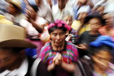 Las mujeres indígenas sufren discriminaciones de carácter económico, étnico, de clase y de género que se manifiestan en múltiples vulnerabilidades, según el informe de la CEPAL.