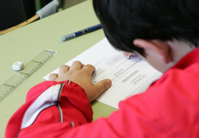 Alrededor de 20 % de los adolescentes de 12 a 18 años, varones y mujeres, no asiste a un establecimiento educativo en la región.