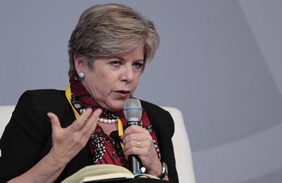 Alicia Bárcena, Secretaria Ejecutiva de la CEPAL, señaló en México que la agenda post-2015 debe basarse en el principio de responsabilidades comunes, pero diferenciadas.