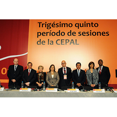 La Secretaria Ejecutiva de la CEPAL y los Ministros de Exteriores de Perú, Colombia, El Salvador, México y Cuba y el vicecanciller de Jamaica participaron en un diálogo de altas autoridades en Lima.