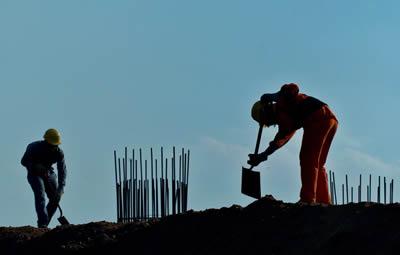 CEPAL y OIT prevén un bajo ritmo de generación de empleo en 2014 con lo cual es probable que no se registren grandes variaciones de la tasa de desempleo.