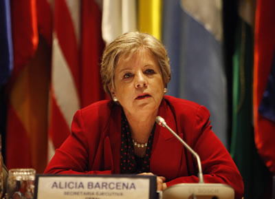 Alicia Bárcena, Secretaria Ejecutiva de la CEPAL, encabezó la presentación del informe sobre La Inversión Extranjera Directa en América Latina y el Caribe 2013.