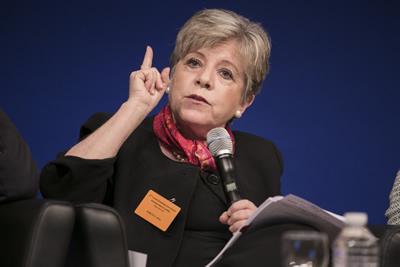 La Secretaria Ejecutiva de la CEPAL, Alicia Bárcena, hizo un llamado a fomentar un nuevo acercamiento entre los gobiernos, empresas y actores sociales de la Unión Europea y América Latina y el Caribe.
