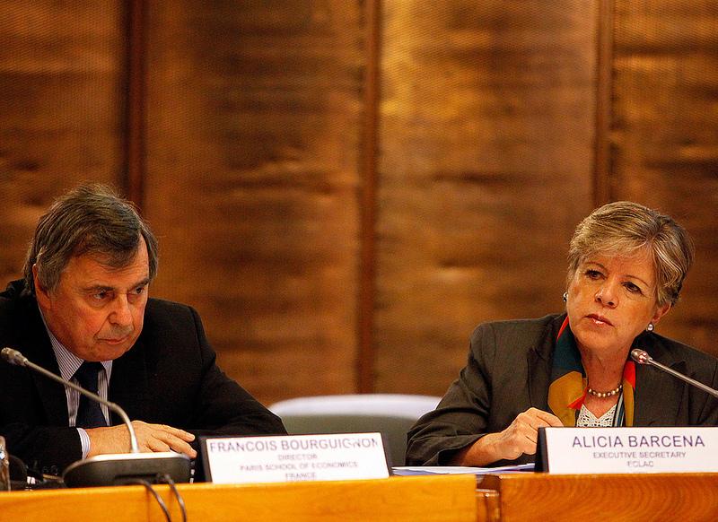 François Bourguignon, Director de la Escuela de Economía de París, y Alicia Bárcena, Secretaria Ejecutiva de la CEPAL, inauguraron el Foro Económico ALC-UE 2013.