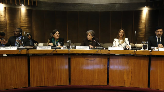 From left to right, Dennis St. E Kellman, Minister of Housing, Lands and Rural Development, Barbados; Paulina Saball, Minister of Urbanism and Housing, Chile; Alicia Bárcena, Executive Secretary of the ECLAC; María Soledad Nuñoz, Minister for Housing and Habitat. Paraguay, and Elkin Velásquez, Director of the Regional Office of UN-Habitat for Latin America and the Caribbean.