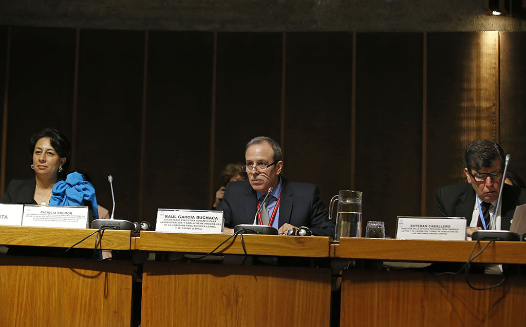 From left to right, Patricia Chemor, Secretary General of Mexico's National Population Council (CONAPO); Raúl García-Buchaca, ECLAC's Deputy Executive Secretary for Management and Program Analysis, and Esteban Caballero, Director of the United Nations Population Fund (UNFPA) Regional Office.