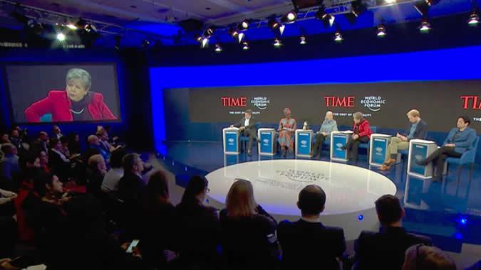 Fotografía del panel El Costo de la Desigualdad.