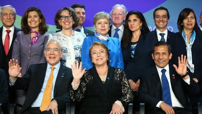 Alicia Bárcena en reunión OCDE