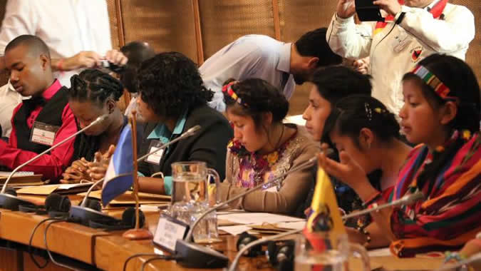 Niños participantes durante el seminario.