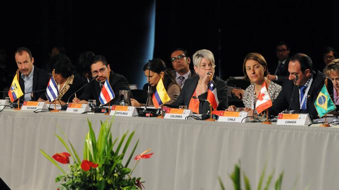 Delegados participantes en el trigésimo quinto período de sesiones de la CEPAL realizado en 2014 en Lima, Perú.