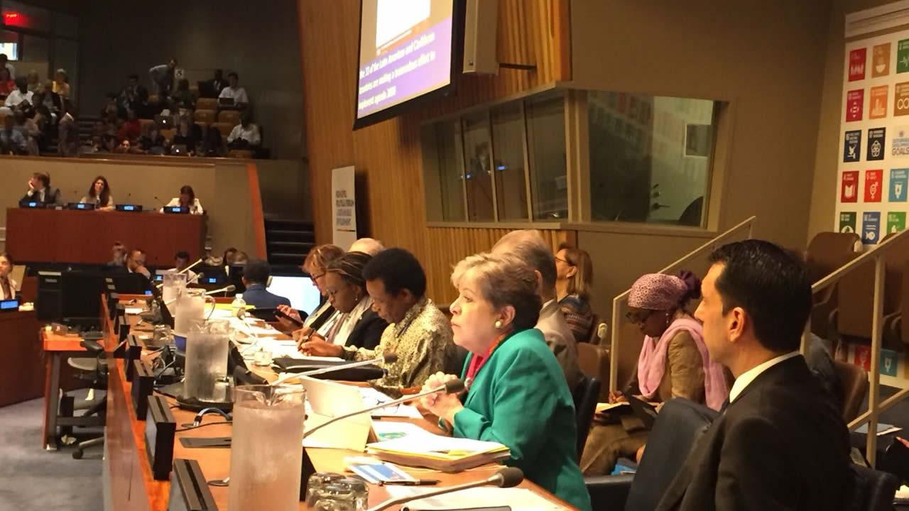 Imagen de Alicia Bárcena durante el evento Implementando los ODS: lecciones desde las regiones.