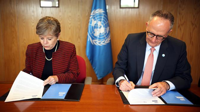 Alicia Bárcena, Secretaria Ejecutiva de la CEPAL; y Julio Berdegué, Representante Regional de la Organización de las Naciones Unidas para la Alimentación y la Agricultura (FAO).