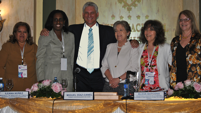 foto de la mesa inaugural