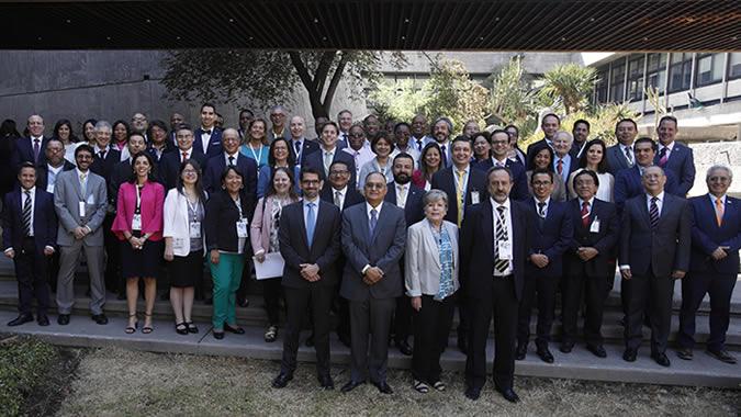 Fotografía oficial de la Décima reunión de la Conferencia Estadística de las Américas de la CEPAL.
