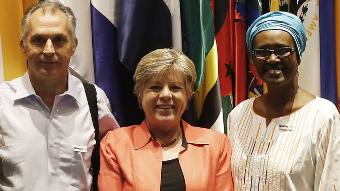 Photo of representatives from ECLAC and OXFAM