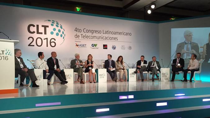 Mario Cimoli, Director de la División de Desarrollo Productivo y Empresarial de la CEPAL, participa en panel dedicado al mercado único digital regional en Cancún.