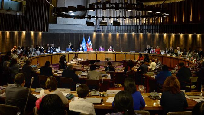 Vista general de la sala donde se llevó a cabo la reunión en la sede de la CEPAL en Santiago, Chile.