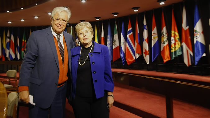 Alicia Bárcena, ECLAC's Executive Secretary and Joan Clos, Executive Director of UN-Habitat.